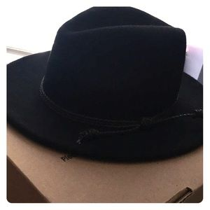 Accessories - Black flat brim hat
